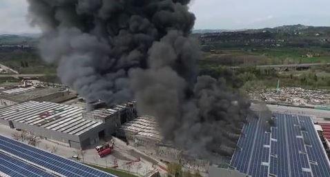 Italpannelli - rogo allo stabilimento di Ancarano (Teramo))