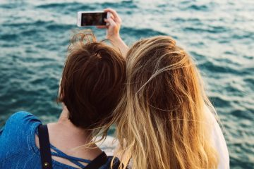 vacanze attenzione ai selfie sui social